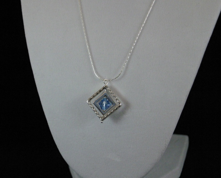 Rotating Blue Crystal Diamond