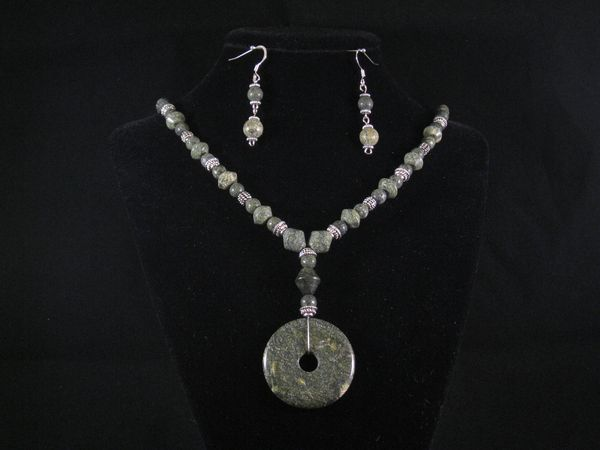 Russion Jade Pendant set.JPG